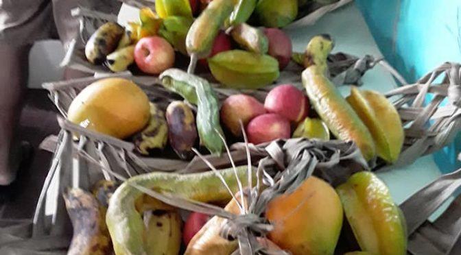 DES MONTAGNES DE FRUITS AU COLLÈGE !